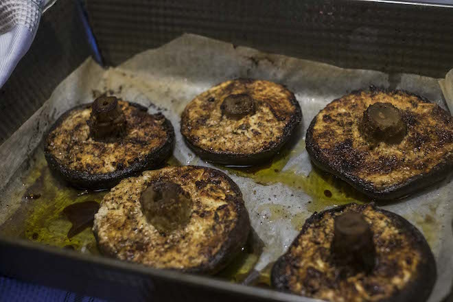 baked-mushrooms-with-goats-cheese-recipe-baked