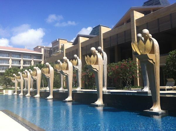 Mulia Bali pool statues
