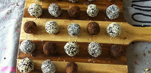 Raw Cocoa, Date and Coconut Balls