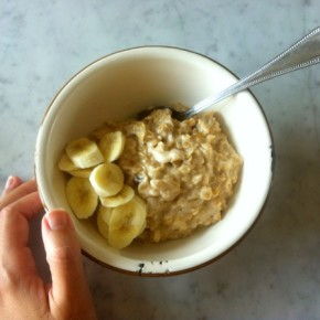 Recipe: Coconut Porridge with banana and dates