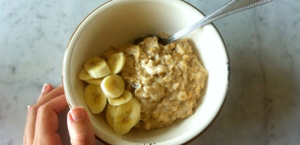 Recipe: Coconut Porridge with banana and dates
