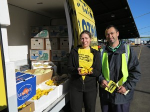OzHarvest Volunteer with supplier