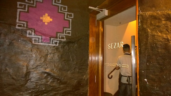 Sezar Restaurant entrance final