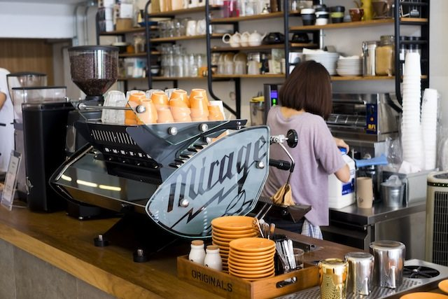 Cool cafes in Chiang Mai Ponganes Espresso counter