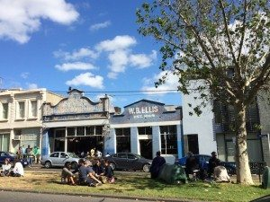 Picnicking in Melbourne Auction Rooms