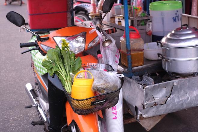 Street Life in Phitsanulok stalls
