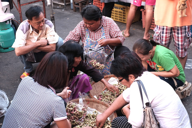 Street Life in Phitsanulok tamarind