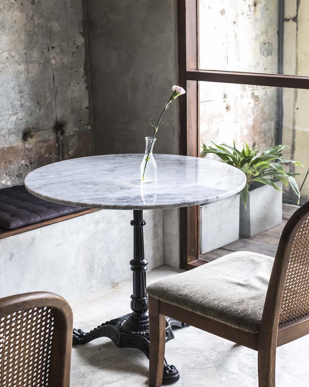 Cafe Veggie table