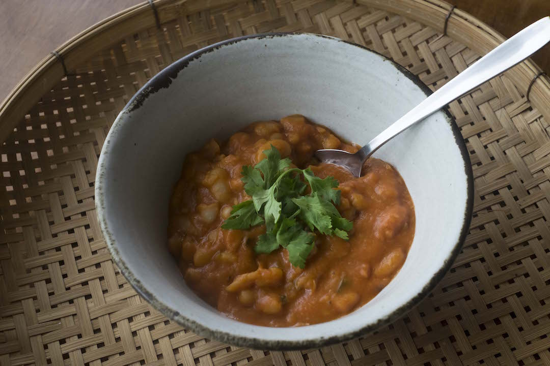 Homemade Baked Beans recipe bowl landscape up close