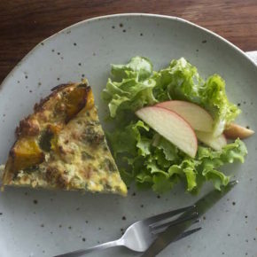 Pumpkin and Broccoli Quiche with Veggie Crust