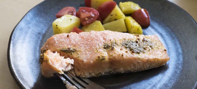 Simple Baked Salmon Recipe (Salmon Boats)