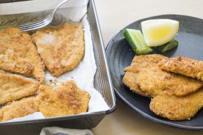 Paprika Schnitzel tray and plate ws