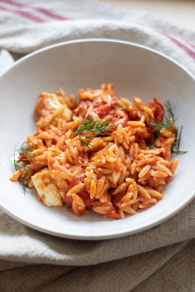 Tomato risoni / orzo with dill and mozzarella portrait site
