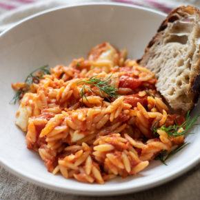 Tomato risoni /orzo with dill and mozzarella